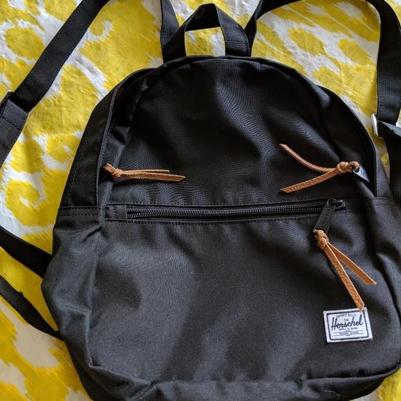 1df8c2e0559 Herschel Supply Company Handbags - Herschel